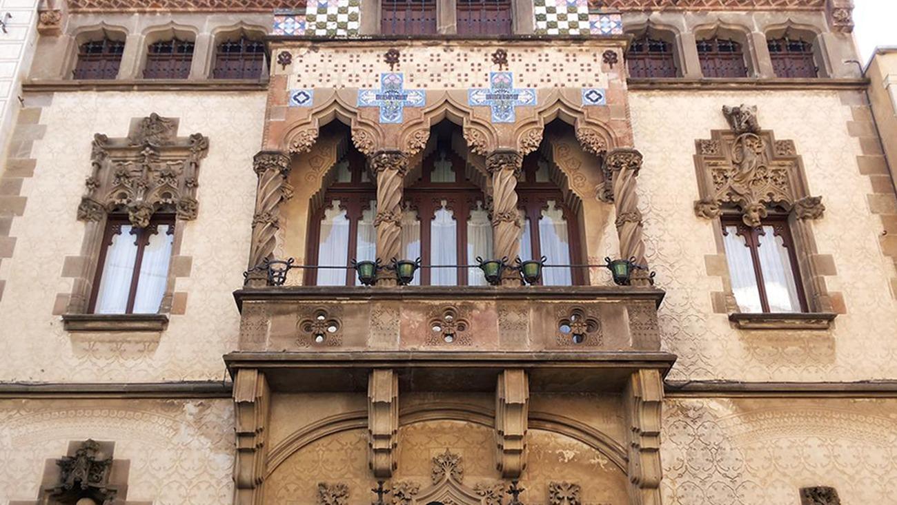 El Periódico: La Casa Coll I Regàs De Mataró Torna A Lluir La Seva Façana Amb Tota La Seva Esplendor