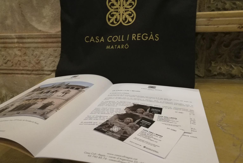 Pack-regal 3: Bossa + Llibre D'història De La Casa + 2 Entrades D'adult